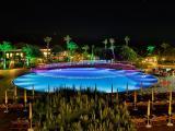 pool-området-om-aftenen