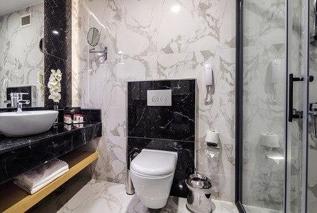 Deluxe værelse bad/WC